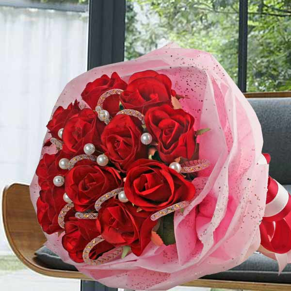 12 Artificial Roses Posy
