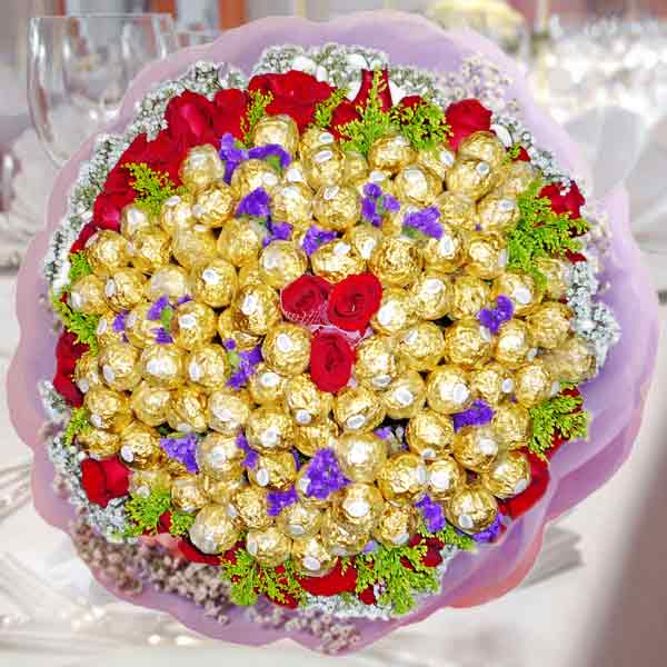 99 Ferrero Rocher 38 Red Roses Handbouquet With Baby