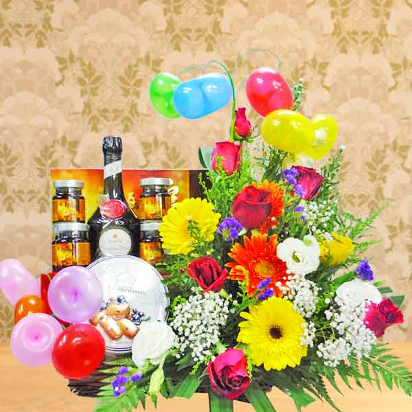 Baby Gift Set With Flowers Arrangement BB079