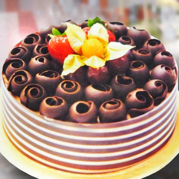 Add-On Chocolate Strawberry Cake 1 Kg