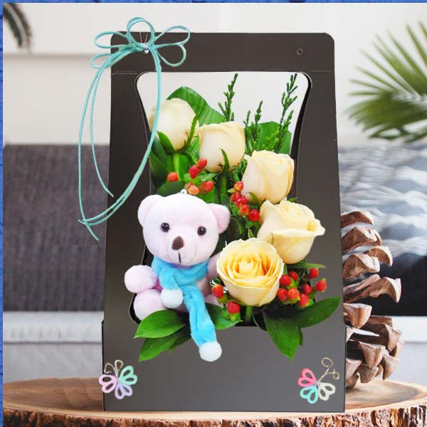 5 Champagne Roses with Bear Portable Table Arrangement
