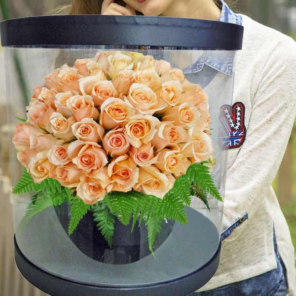 60 Champagne Roses in Round Transparent Box