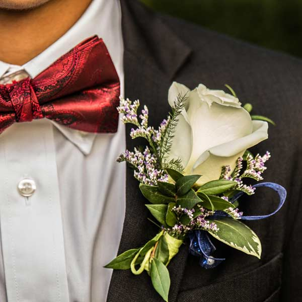 White Rose Boutonniere ( Add-On Only, No Delivery )