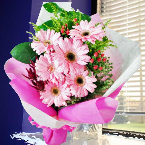 6 Pink Gerberas Handbouquet With Long Wrapping