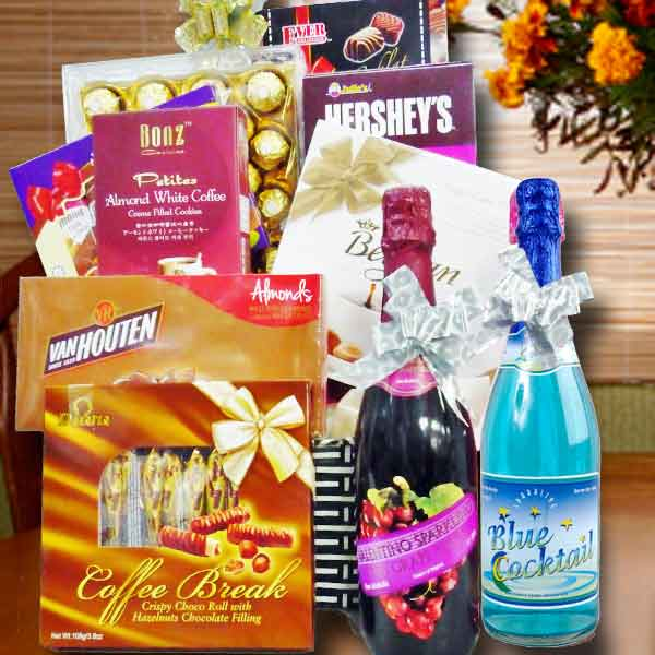 Halal Hamper Sparkling grape juice, Cocktail with 8 assorted chocolate/Cooki
