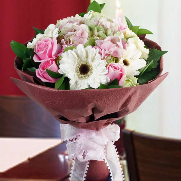 Hydrangeas, Roses & Gerbera Hand Bouquet.(1 day in advance)