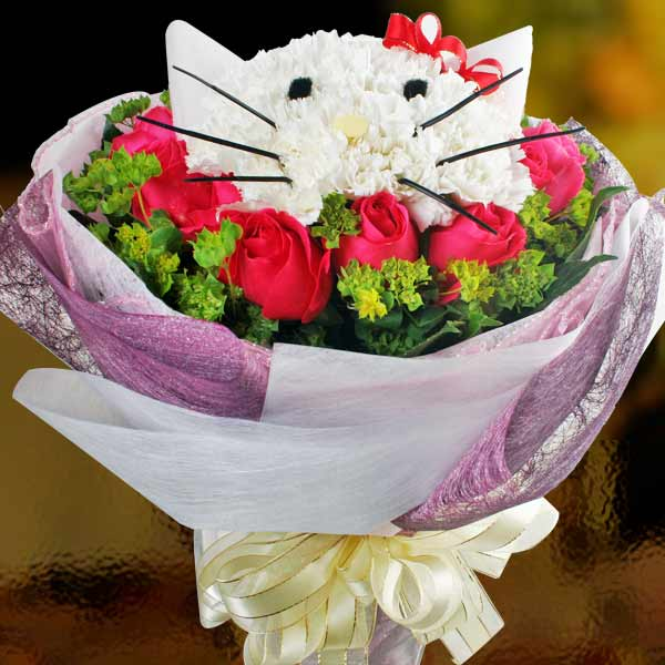 Kitty in The 12 Hot Pink Roses Hand Bouquet ( Must Order 2 Days in Advance )