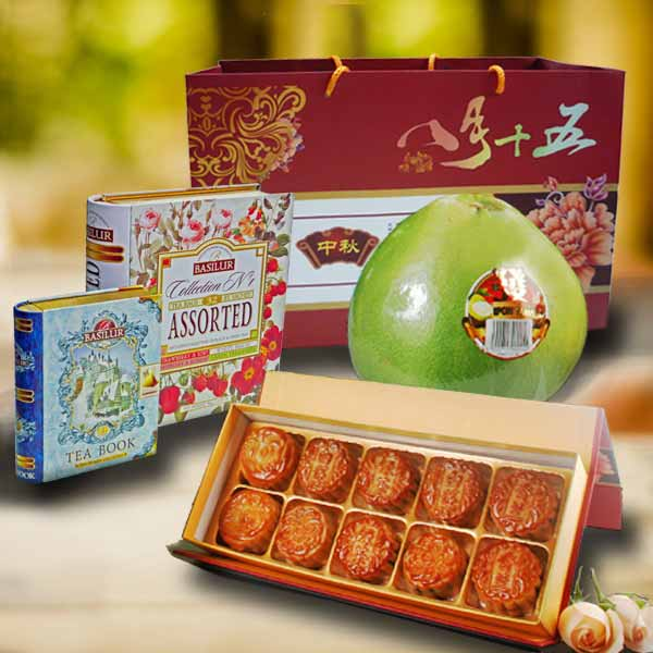 Moon Cake & Tea Books Gift Hamper