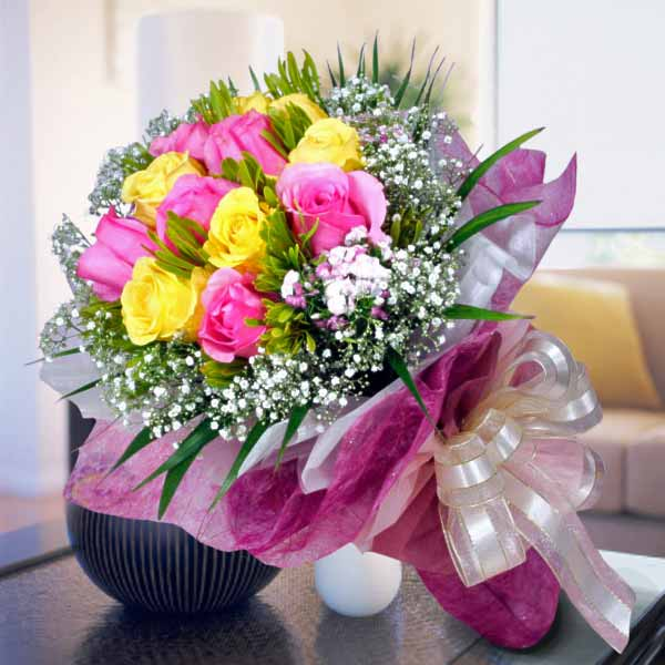 6 Pink 6 Yellow Roses Handbouquet (Pls Order 1 day in advance)