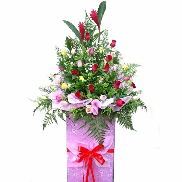 30 mixed Roses on Box stand arrangement