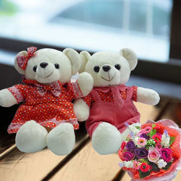 Artificial Roses Bouquet & 30cm Couple Bear