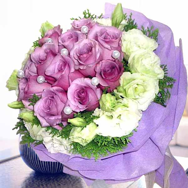 12 Purple Roses Hand Bouquet With White Eustoma