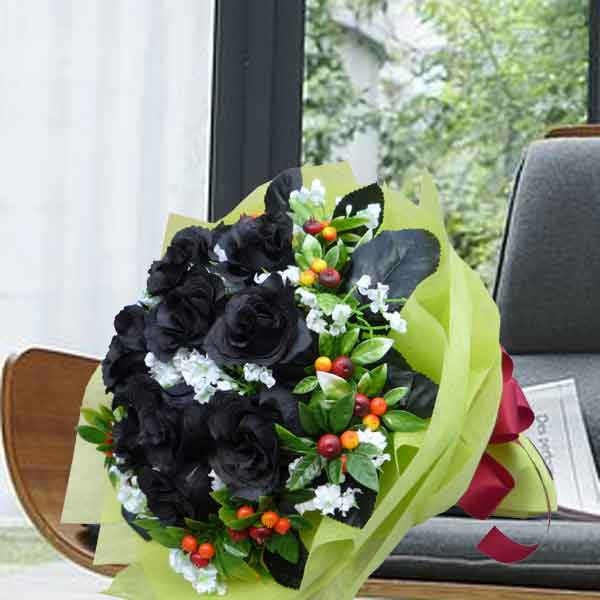 12 Artificial Black Roses Hand Bouquet