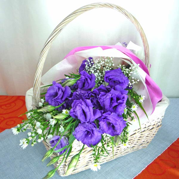 Purple Eustoma Handbouquet
