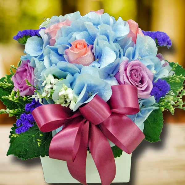 Blue Hydrangea & 8 Roses Small Arrangement