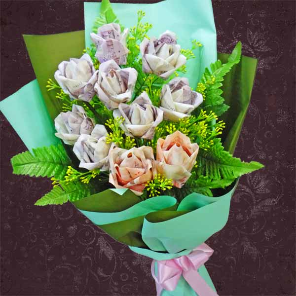 Money Roses Hand Bouquet