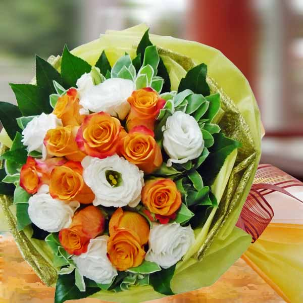 Special 10 Orange Roses With White Eustoma Hand Bouquet