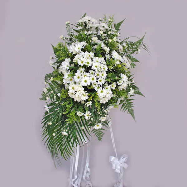 White PomPom Arrangement