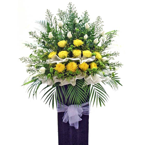 Chrysanthemum yellow with white Roses 5 feets arrangement