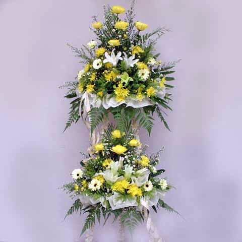 Lily and Chrysanthemum 2 tiers 5 feet height arrangement