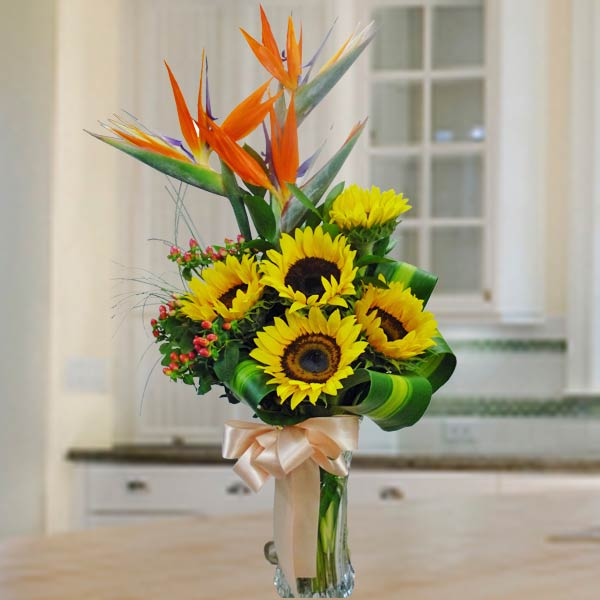 Bird Of Paradize & SunFlower In Glass Vase