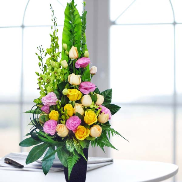 Mixed Roses & Orchids Fresh Flowers Arrangement