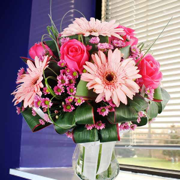 Hot Pink Roses & Pink Gerbera In Glass Vase