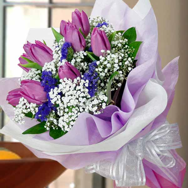 10 Purple Tulips Handbouquet