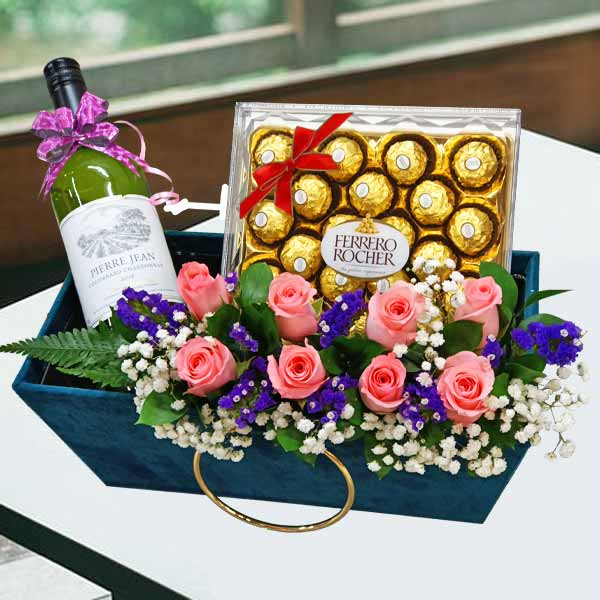 White Wine & 8 Peach Roses With Chocolates
