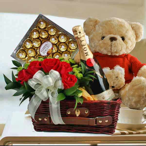 Moet Champagne Bear 5 Roses Chocolates