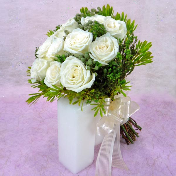 12 White Roses with lanuginosa